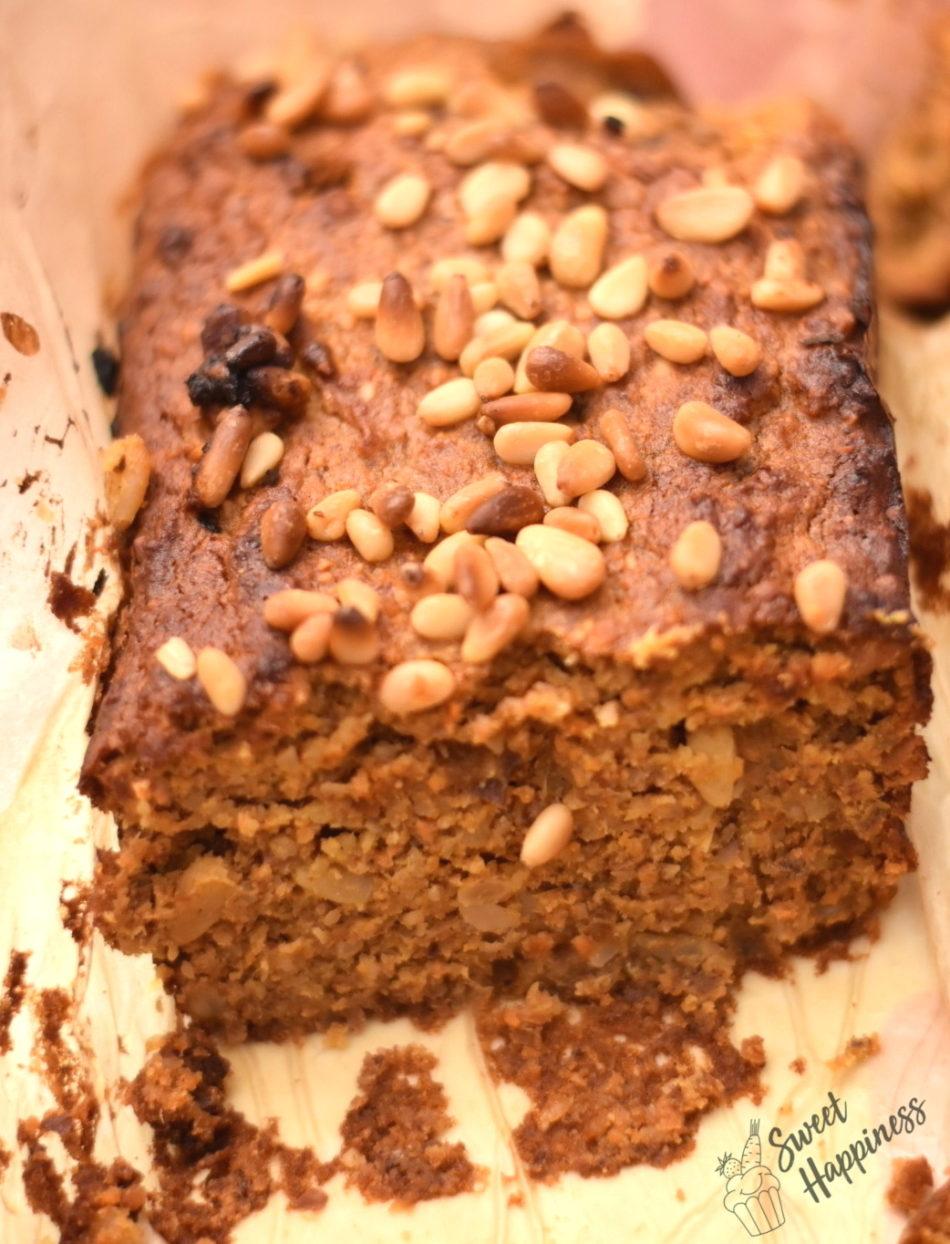 Ciasto marchewkowo-piniowe